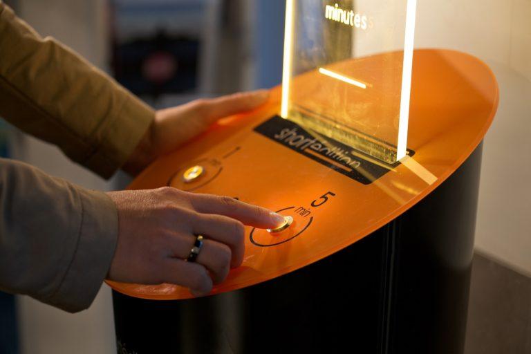 vending machine for dispensing short stories in France Short Edition