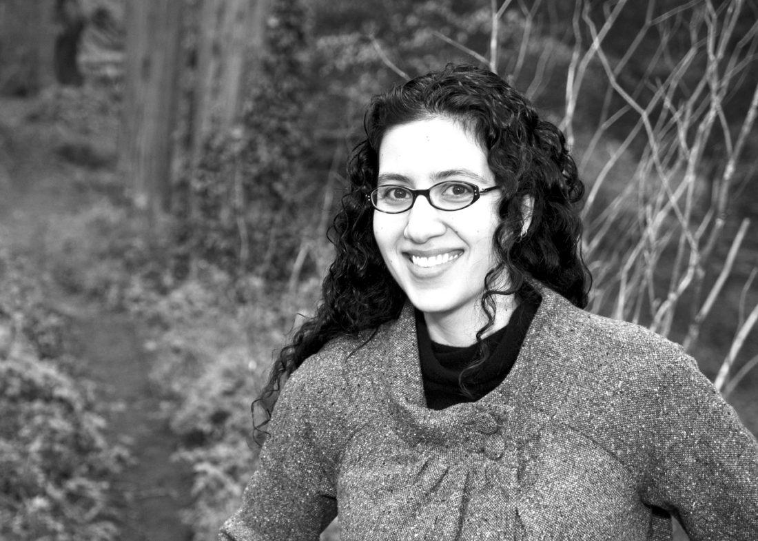 gigi pandian author mystery interview artifact