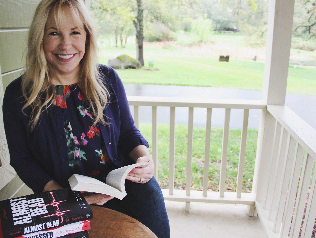 Intervista con l'autore di Kindle più venduto TR Ragan