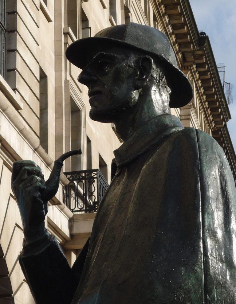 Essential Read For Sherlockians Holmes Entangled By Gordon McAlpine