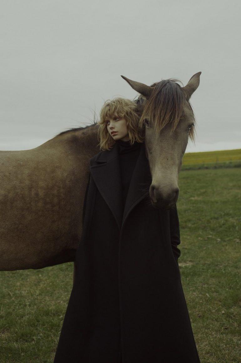 Marta Bevacqua fotografía surrealista e intrigante Principal