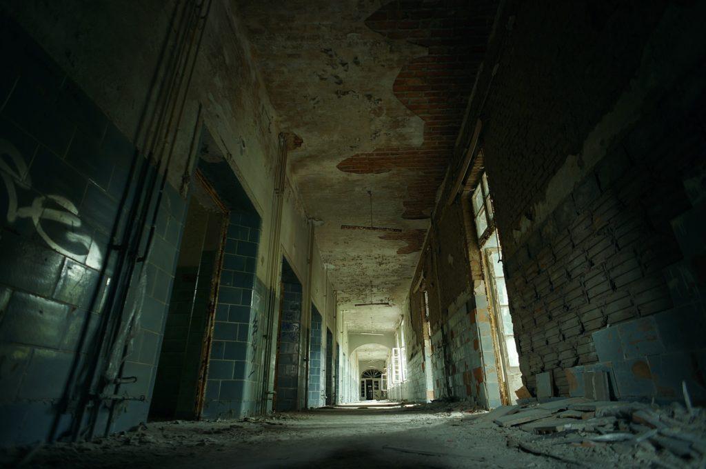 Una farfalla di carta stagnola thriller horror di Rachel Moulton