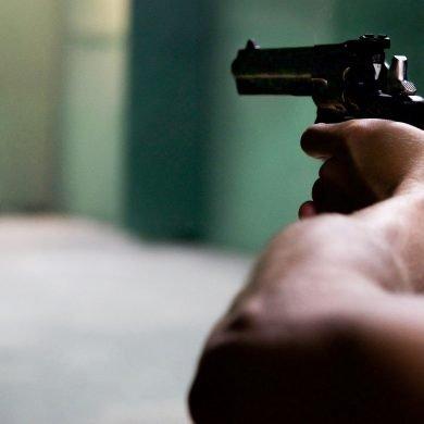 Guarda .357 Un cortometraggio anti-pistola di Scott Rawsthorne