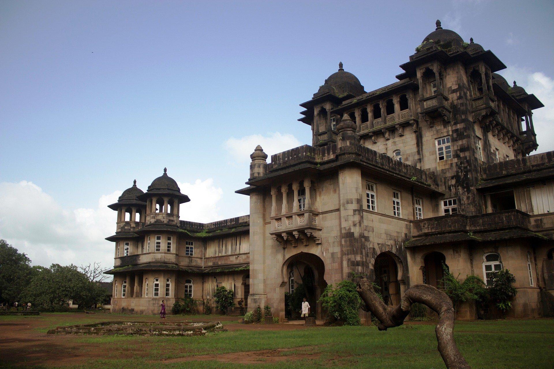 Asesinato en la vieja Bombay por Nev March Una historia de intriga