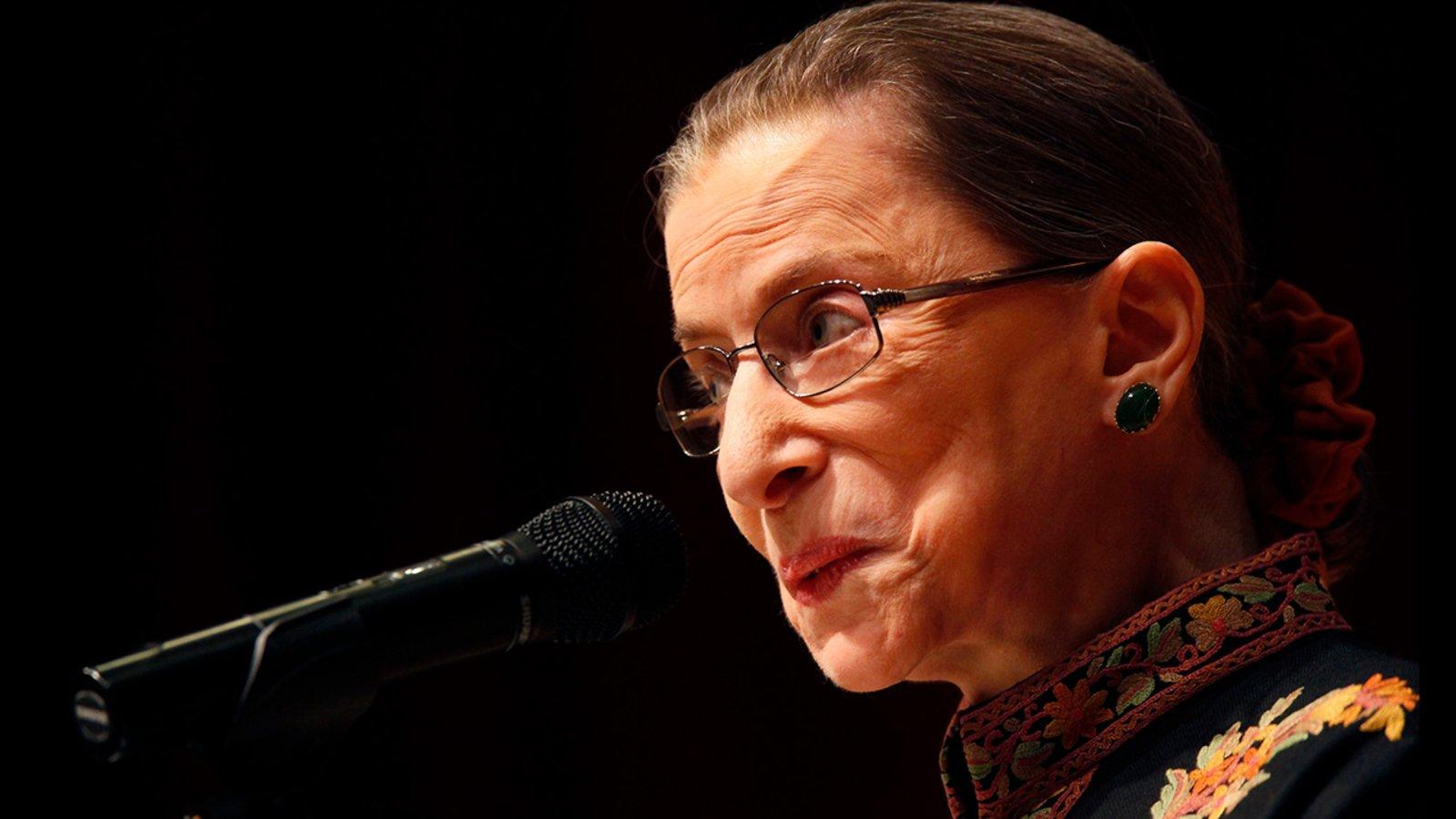 Nancy Drew, Ruth Bader Ginsburg y yo Un ensayo de Dana Robbins